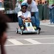 Dad Pushes Daughter In Atlanta Soap Box Derby Race — Stock Photo