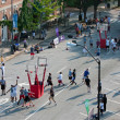 Men Play In Basketball Tournament On City Street — Foto Stock