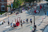 Men Play In Basketball Tournament On City Street — Stock Photo
