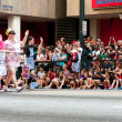 Hundreds Of Spectators Watch Dragon Con Parade On Atlanta Street — Stock Photo