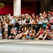 Spectators Line Street In Atlanta To Watch Dragon Con Parade — Stockfoto
