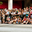 Spectators Line Street In Atlanta To Watch Dragon Con Parade — Stok fotoğraf
