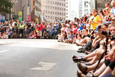 Huge Crowd Lines Atlanta Street At Dragon Con Parade — Stock Photo