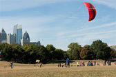 Woman Gets Kite Airborne At Autumn Festival — Stock Photo