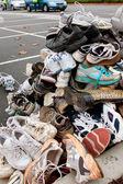 Chaussures de tennis sit empilé pour être recyclés — Photo