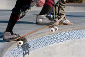 Skateboarder Prepares To Drop In For Run In Big Bowl — Zdjęcie stockowe