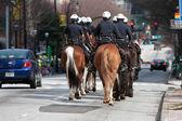 Atlanta Police Ride Horses Down Street Before St. Patrick's Parade — Stock Photo