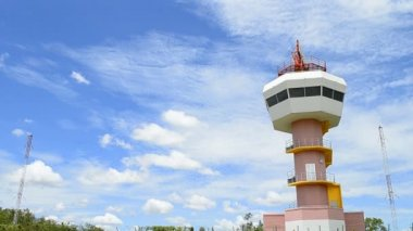 Radar tower communication and nice sky — Video Stock