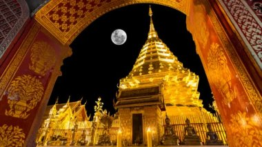Wat Phra That Doi Suthep Famous Temple of Chiang Mai Thailand (and the full moon) — Stock Video