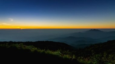 Time lapse sunrise on valley of thailand — Stock Video