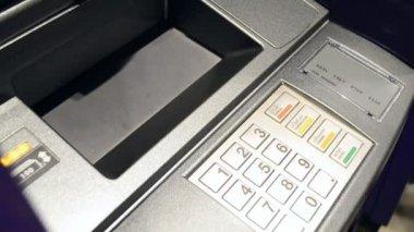 Woman use cash deposit machine (handheld shot) — Stock Video