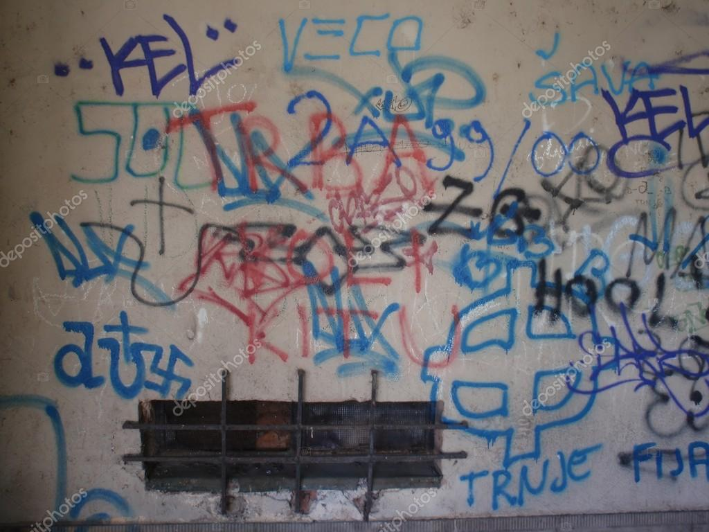 graffiti is vandalism and not an Whether or not all of the public agrees that graffiti art is good, bad, or extremely valuable is a different discussion about evaluation and not whether or not graffiti art is art the evaluative concerns actually play more into where, when, and how graffiti art should be displayed.