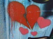GRAFFITI HEARTS BACKGROUND — Stock Photo