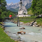 Church of Ramsau near Berchtesgaden with the Reiteralpe mountain — Stock Photo