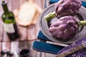 Fresh artichokes — Stock Photo