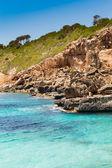 Middellandse zee en rotsachtige kust van spanje mallorca eiland — Stockfoto
