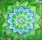 マンダラの円パターンで抽象的な緑塗装済み完成品画像、 — ストック写真