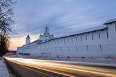 Evening traffic near the monastery, Russia — Stock Photo