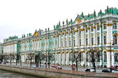 Hermitage Winter Palace from the river side in Saint Petersburg — Stock Photo