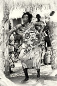 Danza interessante di una donna dal togo — Foto Stock