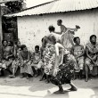 Woman from Togo dances in public — Stock Photo