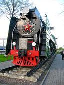 Monument à la locomotive dans la ville d'orcha, biélorussie — Photo