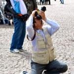 Two tourists take photos — Stock Photo