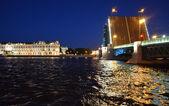 Open bridge of Saint Petersburg at night — Stock Photo