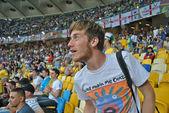 Fan fou pendant le match de l'euro 2012 italie contre l'angleterre à kiev, ukraine — Photo