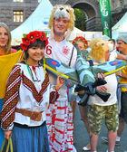 Svenska och ukrainska fans tillsammans under euro 2012 — Stockfoto