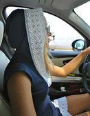 Güneş gözlüklü kız moda sürücüler — Stok fotoğraf
