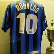 Famous Inter football shirt of Ronaldo, number 10, at the Inter Milan museum — Stock Photo