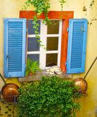 不同颜色的窗口 — 图库照片