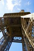 Vue sur le deuxième étage de la tour eiffel — Photo