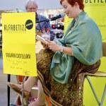 Giuliana Castellani reads her story — Stock Photo