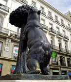 Statue of Bear and strawberry tree, Puerta del Sol, Spain — Stock Photo