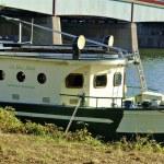 Boat over the Seine — Stock Photo #13457686