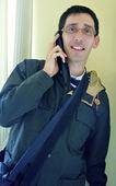 携帯電話で男の協議 — ストック写真