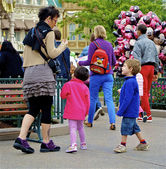 Family in the Disneyland — Stock Photo
