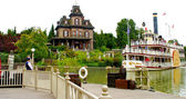 Molly Brown ship and Adams' family house — Stock Photo