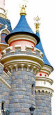 Tower of the Sleeping beauty castle in the Disneyland of Paris — Stock Photo