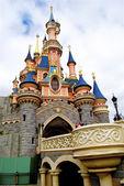 Bridge to the Sleeping beauty palace in the Disneyland of Paris — Stock Photo