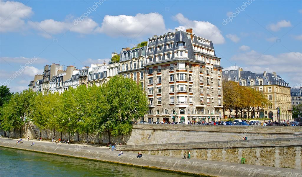 Architecture in Paris — Stock Photo #13541253