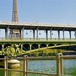 Bridge over the river Seine in Paris, France — Stock Photo #13593818