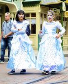 Bambine in un vestito fata chiara — Foto Stock