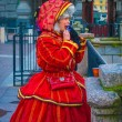 Girl in old fashion Russian clothes — Stockfoto