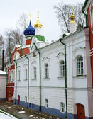 Vista del monasterio pskovo-pechersky, pechory, rusia — Foto de Stock
