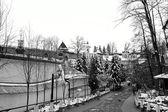 Weg naar het orthodoxe klooster in petsjory, rusland — Stockfoto