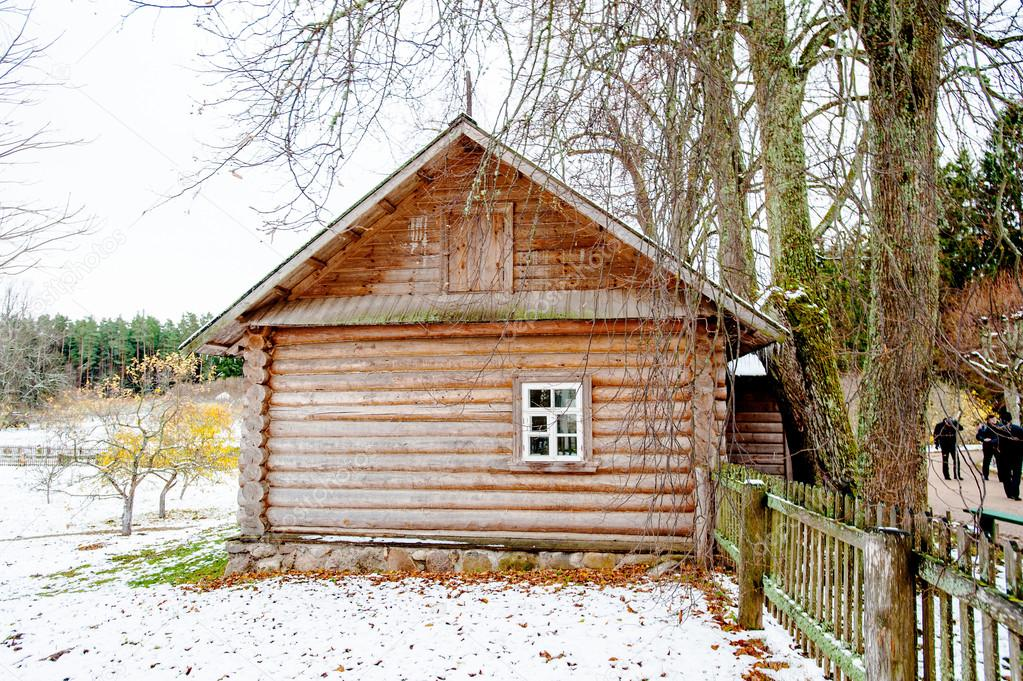 Old fashion Russian house in winter — Stock Photo #14736747