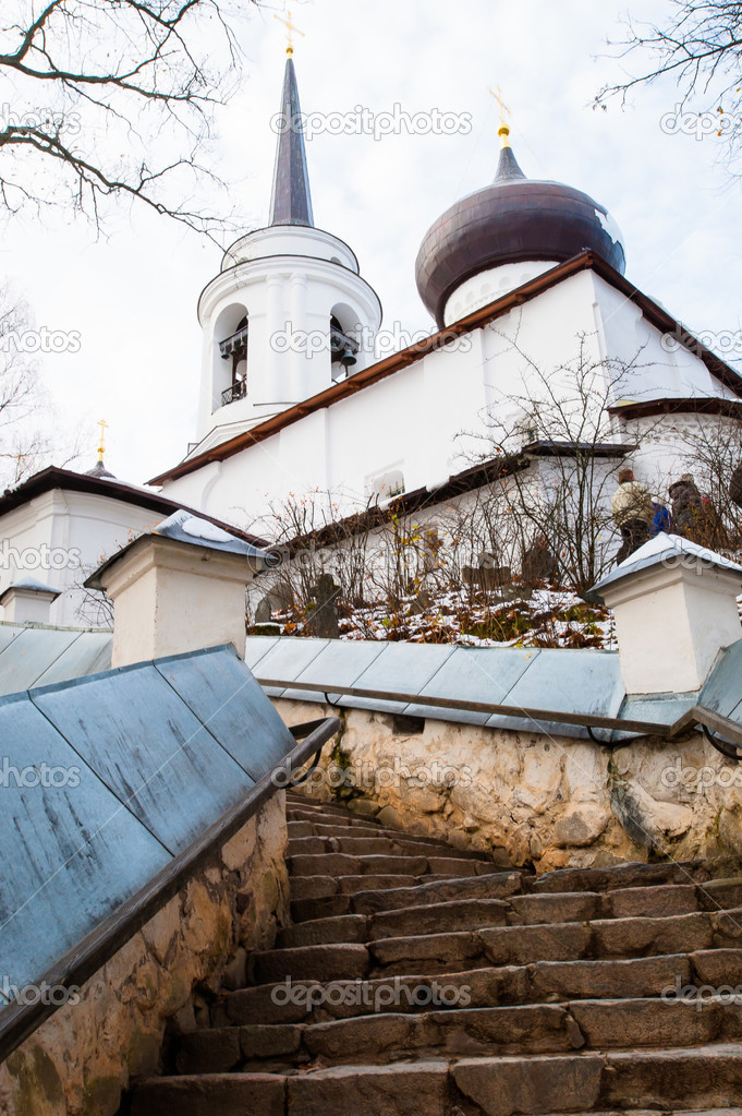 Monastery Sviatogorskiy, Russia, where writer Alexandre Pushkin is burried — Stock Photo #14947883
